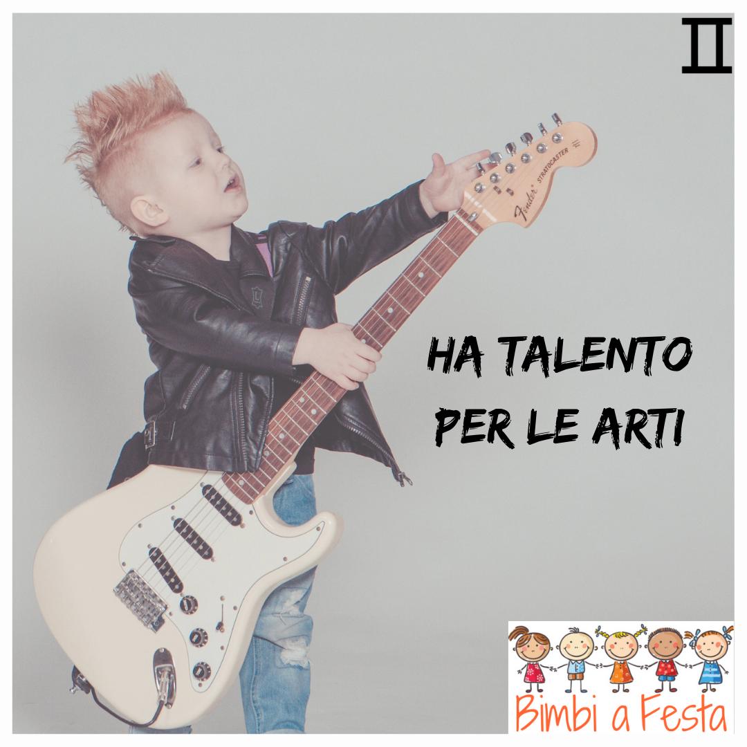 Il bambino dei gemelli ha talento per la musica e le arti