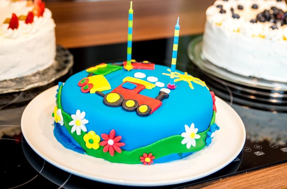 la torta di compleanno