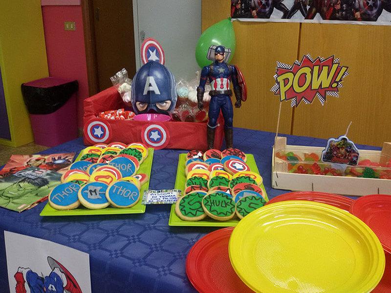 festa di compleanno a tema Supereroi del Cappellaio Matto
